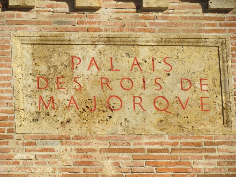 LE PALAIS DES ROIS DE MAJORQUE A PERPIGNAN . 66000 . PYRENEES ORIENTALES .