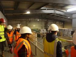 Les CM1 et les CM2 visitent le centre de tri de MONTECH