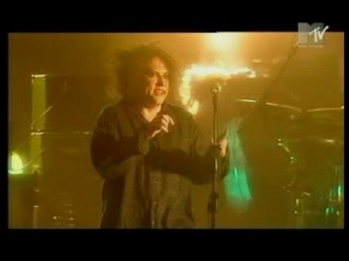 CHAPITRE 118 : 2004 06 23 Milan (TV Rip) - 7 titres sur 8 DVD