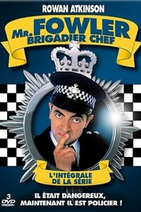"""Mr. Fowler, Brigadier chef : Le brigadier Raymond C. Fowler est le chef de la police de Gasforth, petite ville anglaise trop tranquille où les disputes entre voisins sont bien plus fréquentes que les vrais crimes. Fan de Sherlock Holmes et de grenouilles en chocolat, notre héros est entouré de sa compagne, le Sergent Patricia Dawkins, jalouse et insatisfaite, et de son équipe de """" bras-cassés """" tous autant gaffeurs que lui... Origine de la serie : Britannique Acteurs : Mina Anwar, James Dreyfus, David Haig Genre : Comédie Note spectateurs : Mr. Fowler, Brigadier chef - Saison 1 & 2 [Complète] 3,2/5 (15) Date de diffusion : Janvier 1995"""
