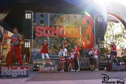 High School Musical 3 Right Here ! Right Now !