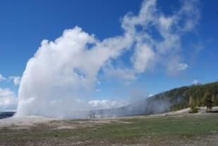 geyser-643970_640