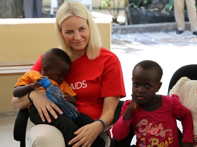 Mette Marit en Tanzanie