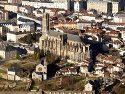 Limoges: Un voyage aux puces de la Cité de la cathédrale  (2)