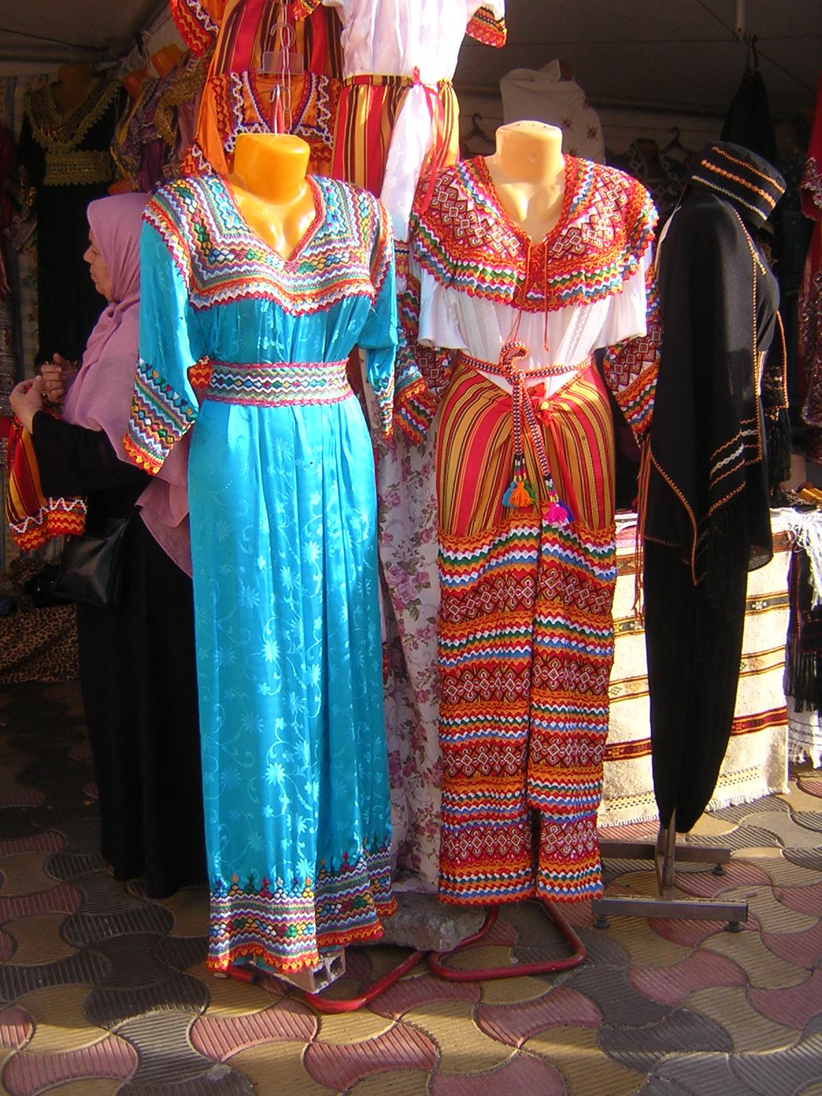 Robe kabyle  tradition, symbole et résistance