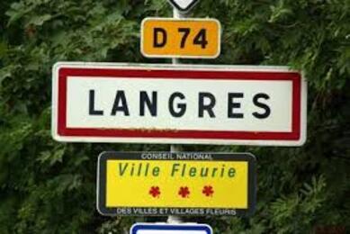 52200 Langres
