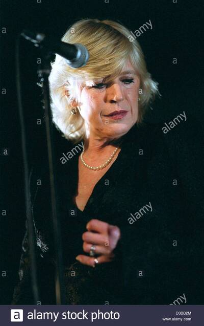 Live : Marianne Faithfull - Fabrik Hambourg - 12 Novembre 2002