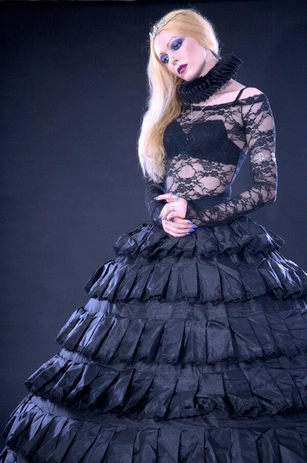 Madaley Selket, modèle