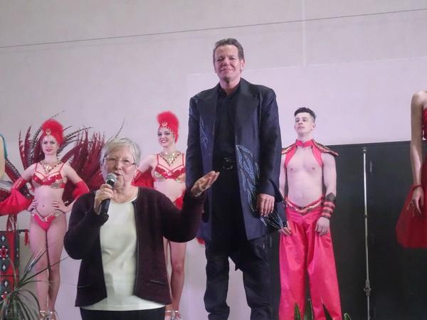 """""""Infinity"""", une merveilleuse revue du cabaret Odysséo, a été offerte aux aînés, par la Municipalité de Châtillon sur Seine..."""