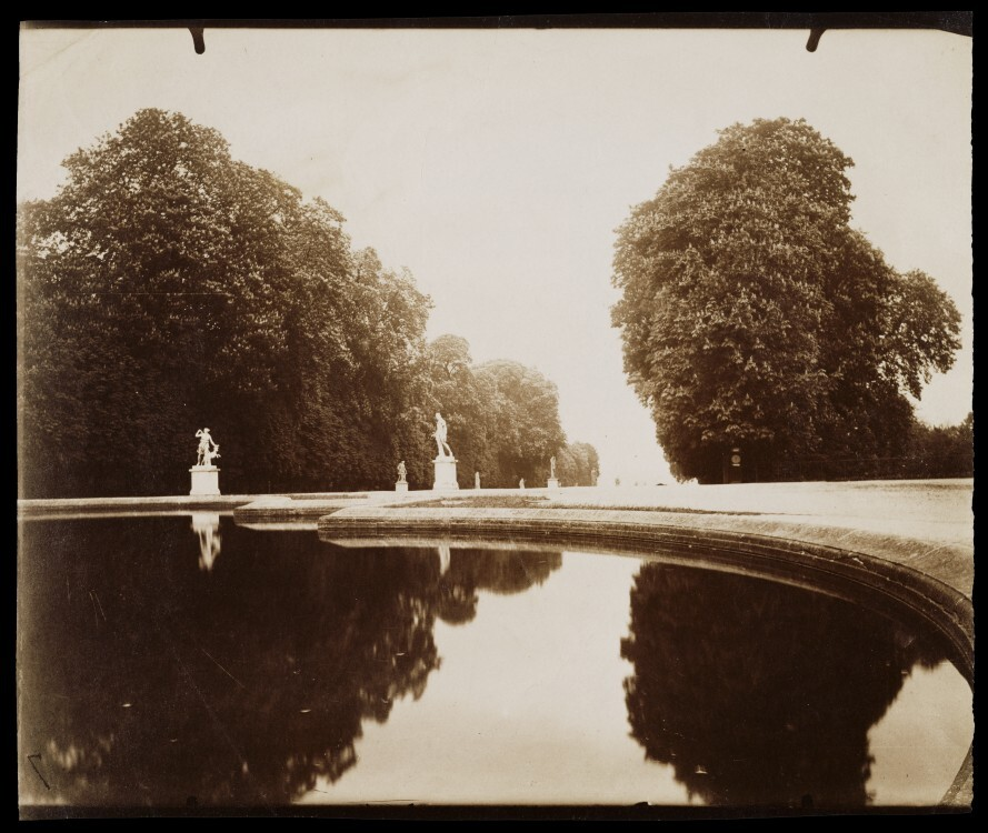 Atget Paris St Cloud 889x750 Le Paris de 1900 par Atget