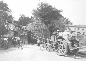 Battage à Soulignonne (vers 1935)