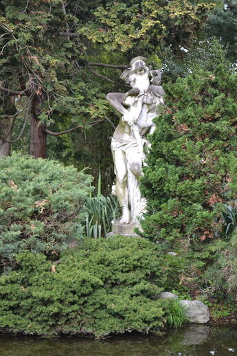 Statue de Saint Christophe au Jardin Massey de Tarbes