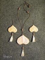 bijoux en boutis dos