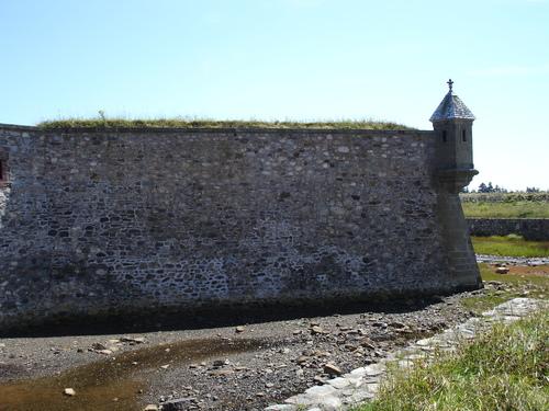 En Nouvelle-Ecosse, l'Ile de Cap Breton et Louisbourg....