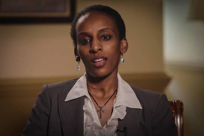 En prison, une musulmane aide une chrétienne à cacher sa Bible