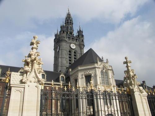 Douai-Hotel-de-Ville-et-Beffroi-2.jpg