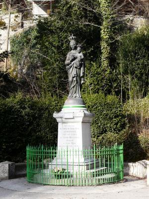 Maisières, doubs : Notre-Dame du Chêne