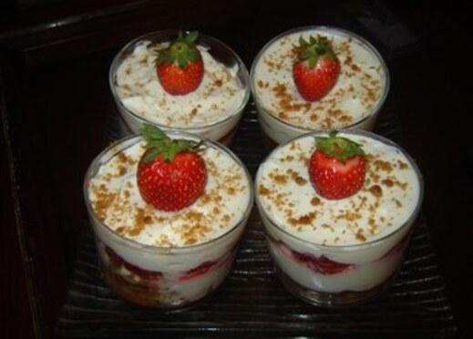 Recette: Verrines De Tiramisu à la fraise & Spéculoos.