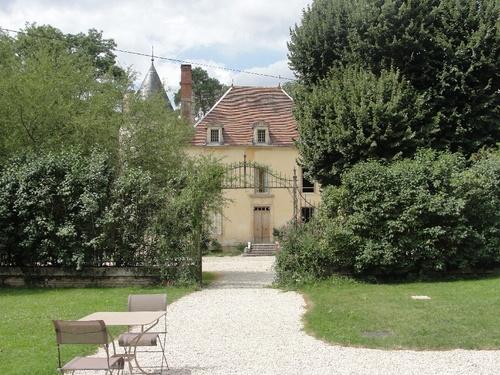 -Le Château de Mauvilly