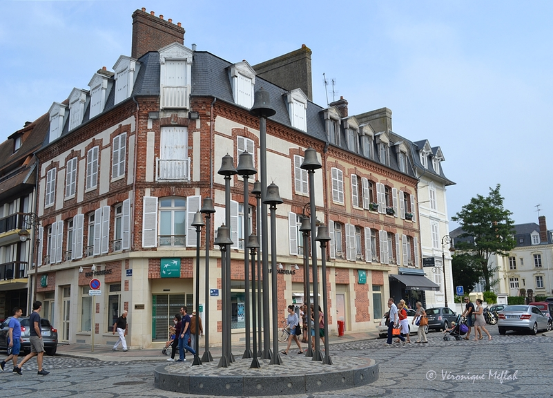 Deauville : Rond point des cloches