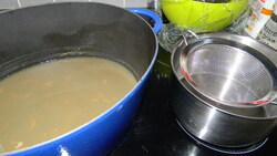 Raie à la créole, crème coco, piment antillais, banane plantain