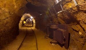 Jouer à Underground mining tunnel escape