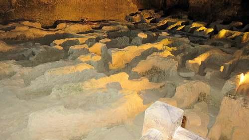 Eglise rupestre d'Aubeterre