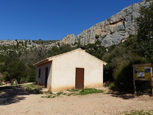 Refuge Cézanne par les Harmelins