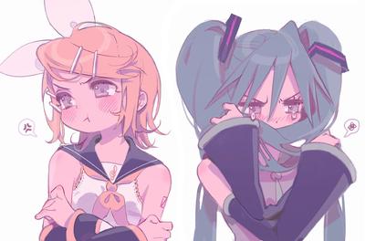 Rin avec Miku (quand elles sont énervées l'une contre l'autre)