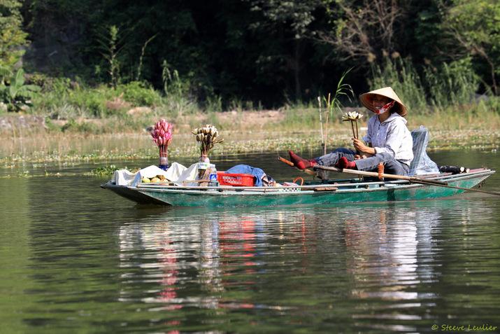 Tam Coc : barques et reflets sur la rivière Ngô Dông