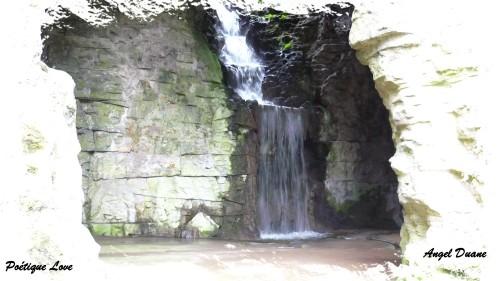 Cascade-1-parc-Buttes-Chaumon.JPG