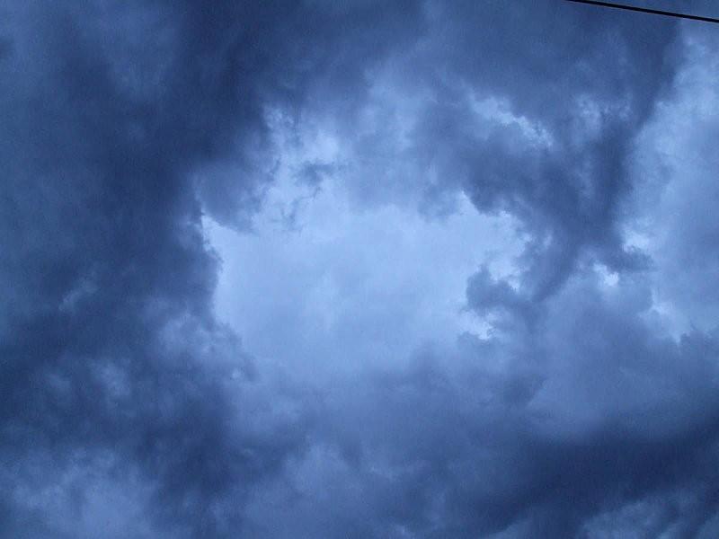 nuage-orage-bleu-nuit.jpg