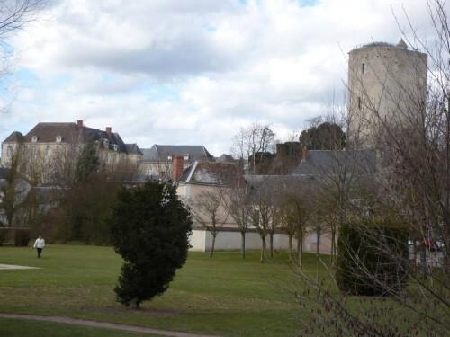 Issoudun-Mairie-Tour blanche