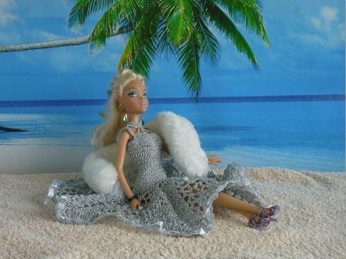 Barbie en modèle Argent au crochet