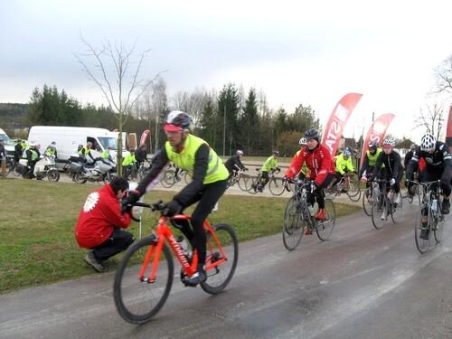 La randonnée  cyclotouriste Londres-Cannes 2013, s'est arrêtée à Vanvey