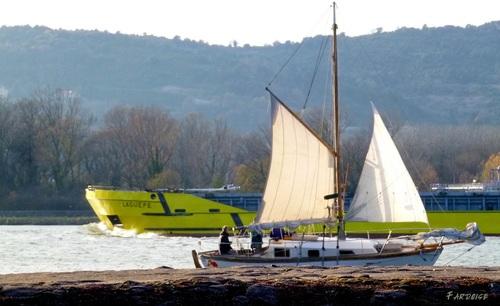 En bateau sur le Rhône