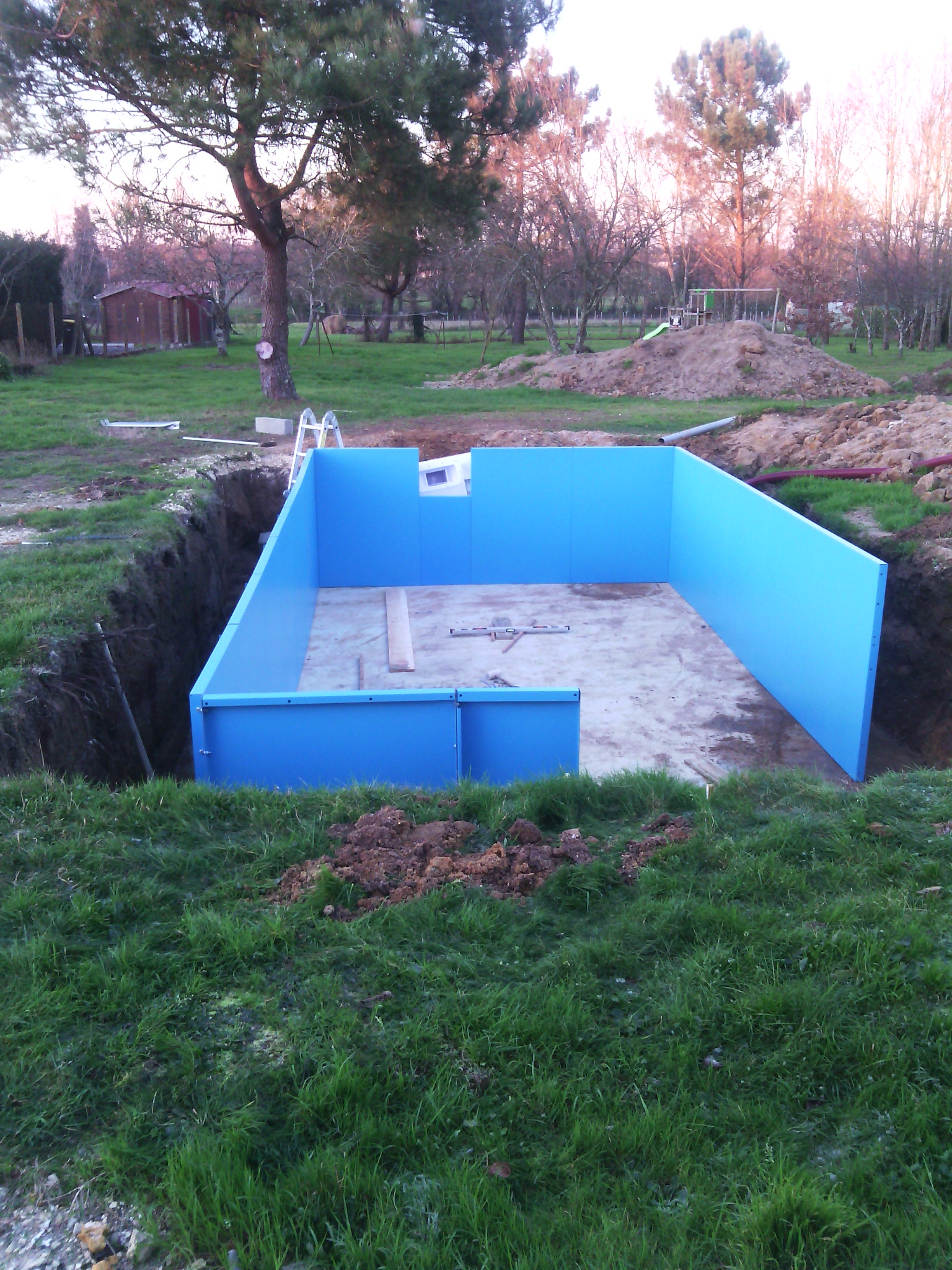 Piscine en kit travaux piscine for Structure piscine