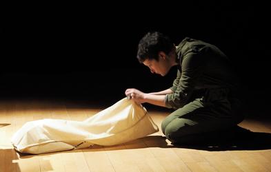 Mardi 22 mars 2016. 19h30. Christophe Marchand Kiss–Sylvain Courtoux–Laura Vasquez, @Florence Jou. Tambour