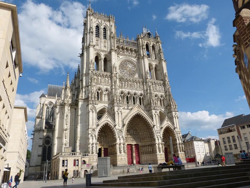 Amiens, notre Dame en son quartier