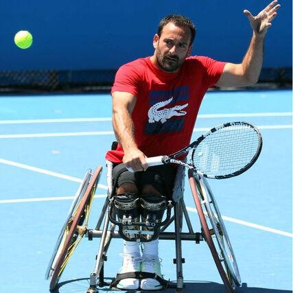 Equipe de France paralympique a son porte-drapeau pour Rio - Fonds ...