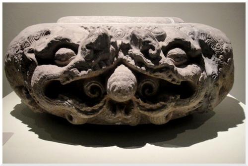 L'Envol du dragon. Art royal du Vietnam.