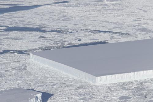 Évènements étranges en Antarctique!.
