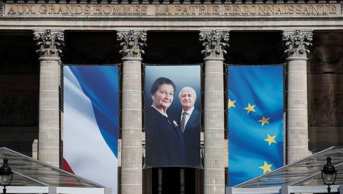 Simone Veil sauva de nombreux patriotes algériens *** Simone Veil insultée, humiliée