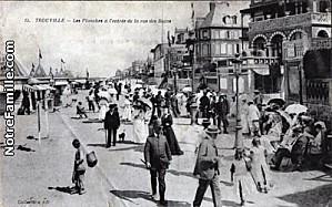 cartes-postales-photos-Les-Planches-a-l-entree-de-la-Rue-de.jpg