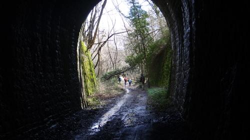 Par la voie , sans train , nous cheminon à Sauclieres