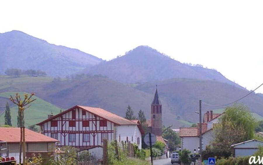 Pays basque en allant voir les Pottoks.