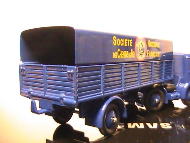 Mes miniatures au 1/43° - Tome 68 - Camions Dinky Toys - Rééditions Atlas.