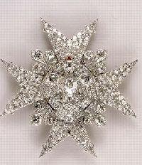 Croix de Saint-Esprit. Diamants de la Couronne, galerie d�Apollon, mus�e du Louvre � RMN