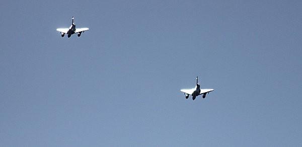duo avions de chasse -7-