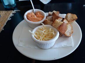 Rouille, croûtons et fromage